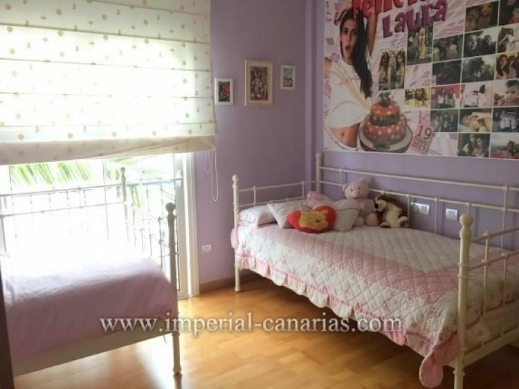 4 Bed  Villa/House for Sale, Santa Ursula, Tenerife - IC-VAD9921 10