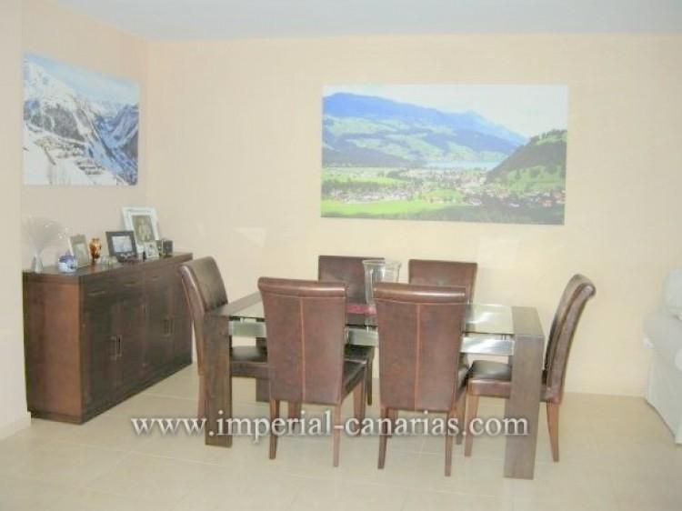 4 Bed  Villa/House for Sale, Santa Ursula, Tenerife - IC-VAD9921 5