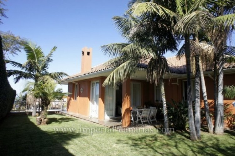 5 Bed  Villa/House for Sale, La Orotava, Tenerife - IC-VCH9897 1
