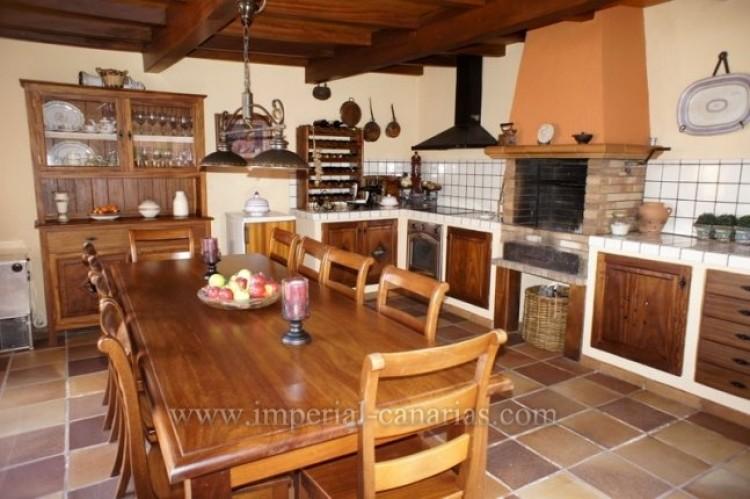 5 Bed  Villa/House for Sale, La Orotava, Tenerife - IC-VCH9897 11