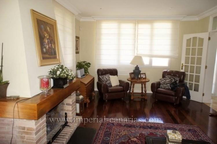 5 Bed  Villa/House for Sale, La Orotava, Tenerife - IC-VCH9897 3