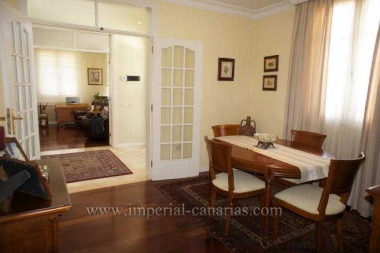 5 Bed  Villa/House for Sale, La Orotava, Tenerife - IC-VCH9897 4