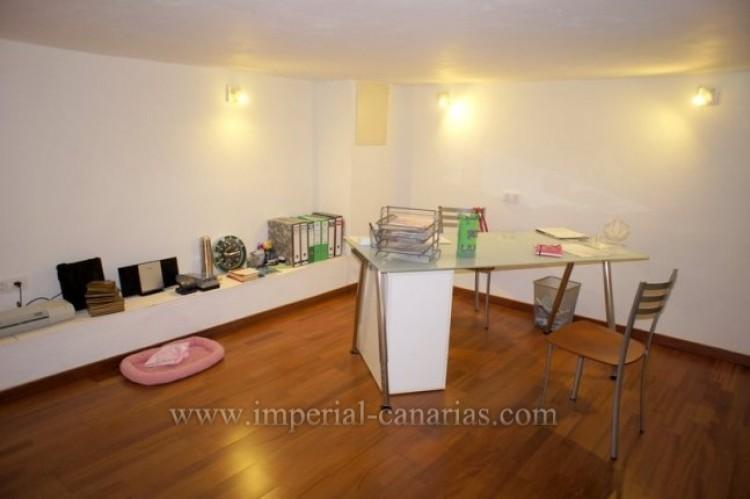 4 Bed  Villa/House for Sale, Puerto de la Cruz, Tenerife - IC-VAD9851 14