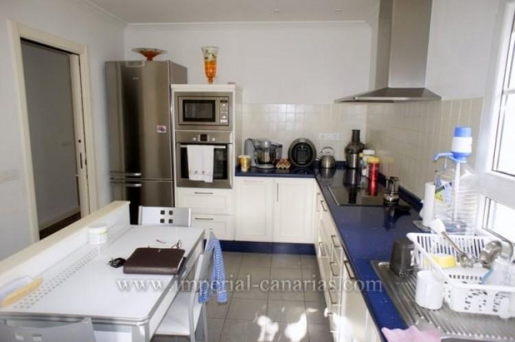 4 Bed  Villa/House for Sale, Puerto de la Cruz, Tenerife - IC-VAD9851 5