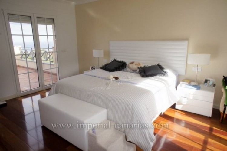 4 Bed  Villa/House for Sale, Puerto de la Cruz, Tenerife - IC-VAD9851 7