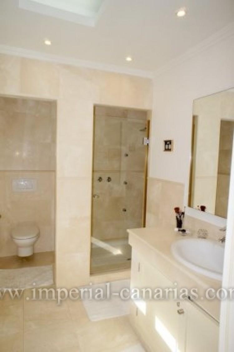4 Bed  Villa/House for Sale, Puerto de la Cruz, Tenerife - IC-VAD9851 9
