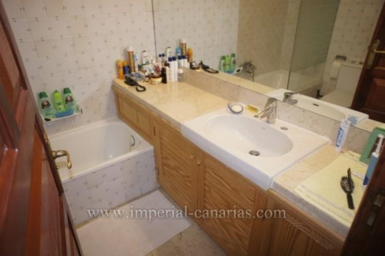 1 Bed  Flat / Apartment to Rent, Puerto de la Cruz, Tenerife - IC-AAP9834 7