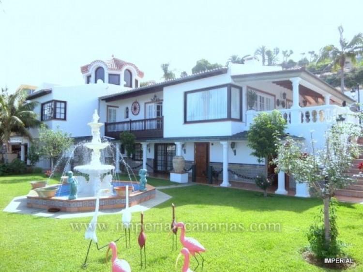 5 Bed  Villa/House for Sale, Santa Ursula, Tenerife - IC-VCH9782 1