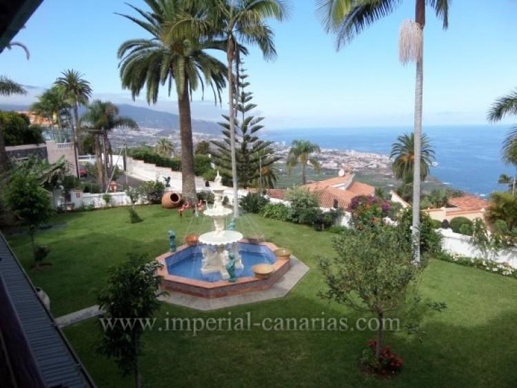 5 Bed  Villa/House for Sale, Santa Ursula, Tenerife - IC-VCH9782 11