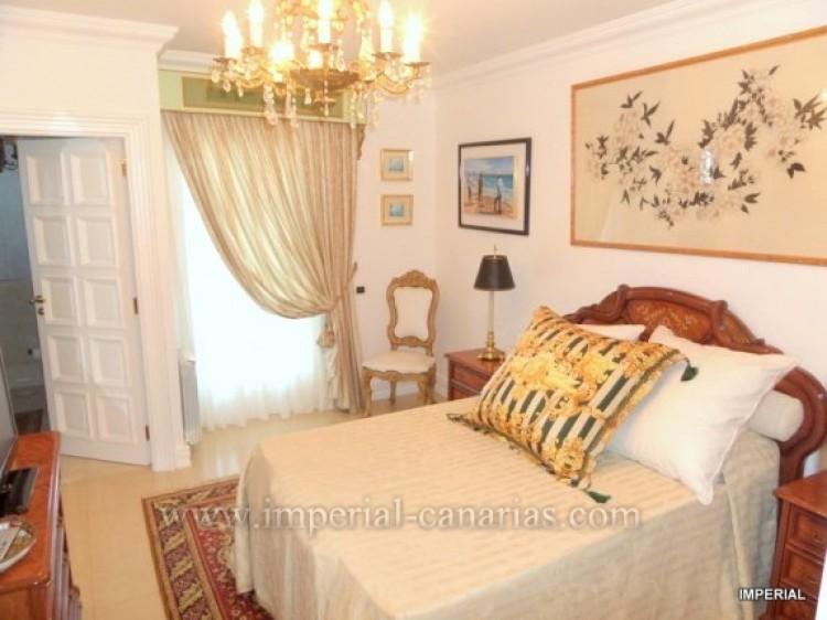 5 Bed  Villa/House for Sale, Santa Ursula, Tenerife - IC-VCH9782 3