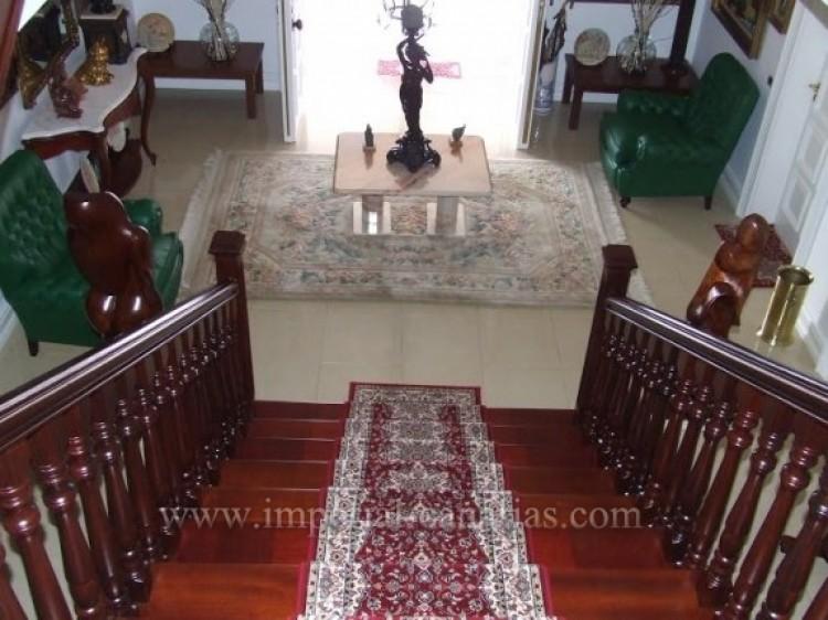 5 Bed  Villa/House for Sale, Santa Ursula, Tenerife - IC-VCH9782 7