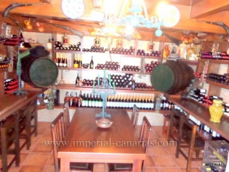 5 Bed  Villa/House for Sale, Santa Ursula, Tenerife - IC-VCH9782 9