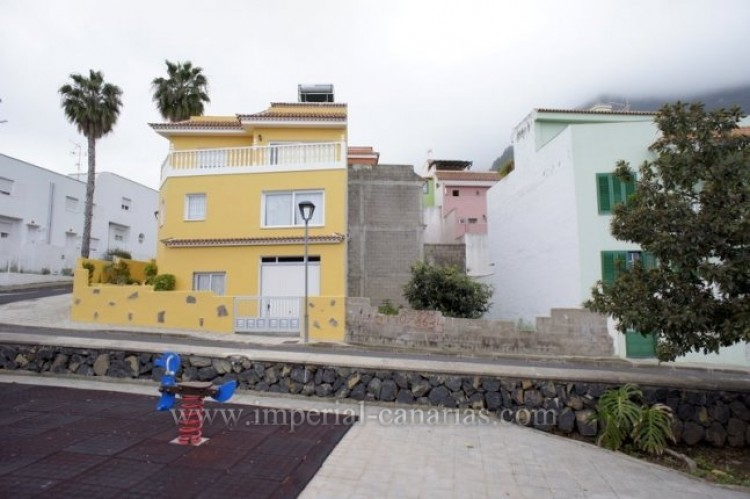 Land for Sale, Los Realejos, Tenerife - IC-VTU9680 3