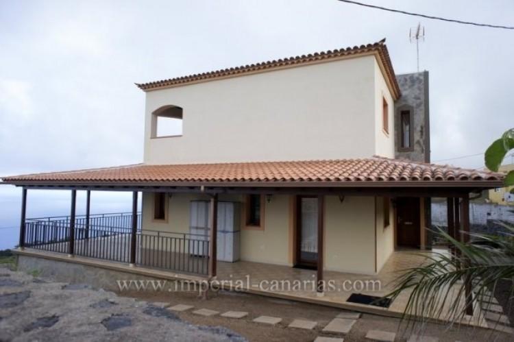 4 Bed  Villa/House to Rent, El Sauzal, Tenerife - IC-ACH9519 1