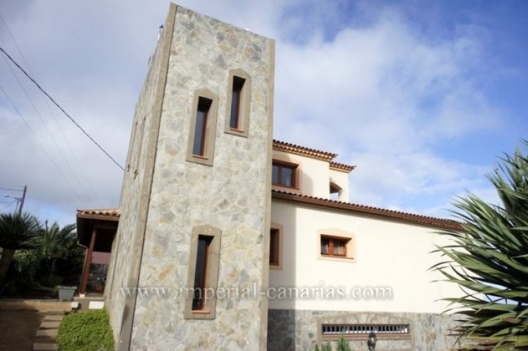 4 Bed  Villa/House to Rent, El Sauzal, Tenerife - IC-ACH9519 17