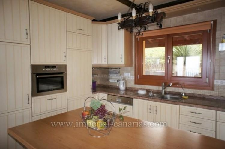 4 Bed  Villa/House to Rent, El Sauzal, Tenerife - IC-ACH9519 3