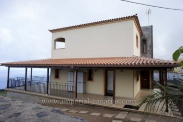 4 Bed  Villa/House to Rent, El Sauzal, Tenerife - IC-ACH9519