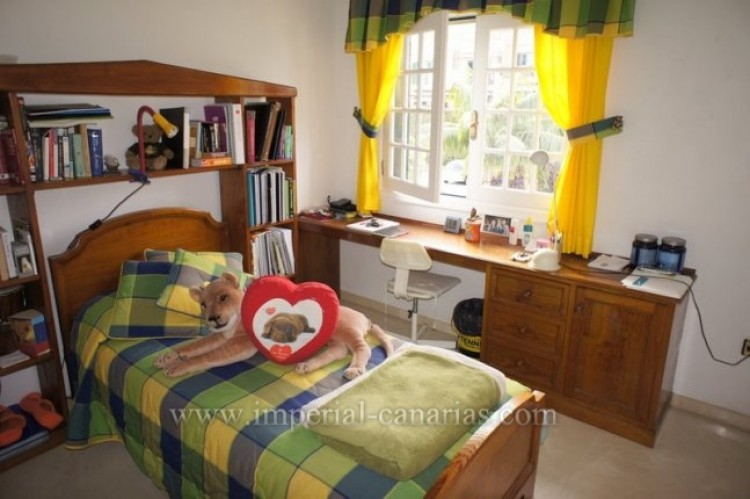 5 Bed  Villa/House for Sale, Puerto de la Cruz, Tenerife - IC-VCH9501 10