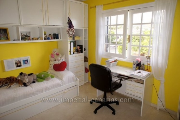 5 Bed  Villa/House for Sale, Puerto de la Cruz, Tenerife - IC-VCH9501 11