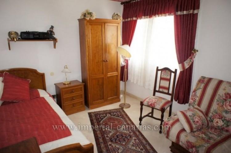 5 Bed  Villa/House for Sale, Puerto de la Cruz, Tenerife - IC-VCH9501 12