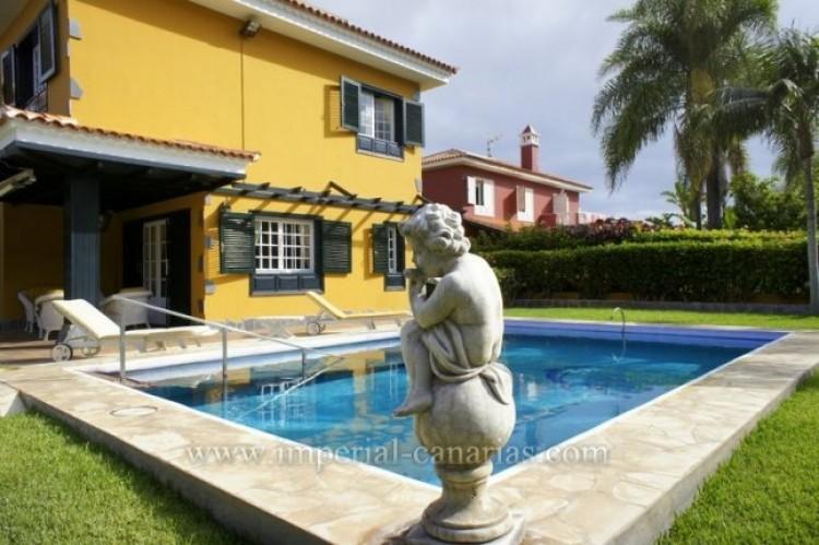 5 Bed  Villa/House for Sale, Puerto de la Cruz, Tenerife - IC-VCH9501 2