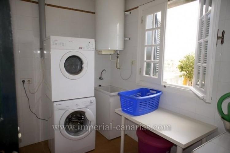 5 Bed  Villa/House for Sale, Puerto de la Cruz, Tenerife - IC-VCH9501 6