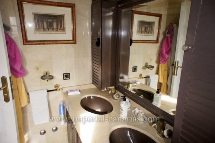 5 Bed  Villa/House for Sale, Puerto de la Cruz, Tenerife - IC-VCH9501 8