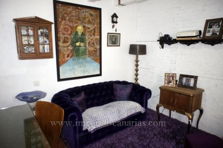 4 Bed  Villa/House for Sale, La Victoria, Tenerife - IC-VCH9487 12