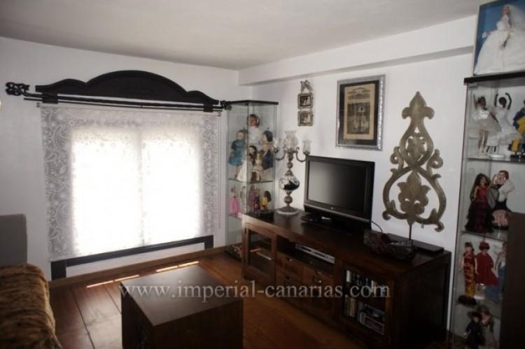 4 Bed  Villa/House for Sale, La Victoria, Tenerife - IC-VCH9487 4