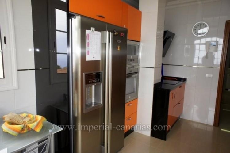 4 Bed  Villa/House for Sale, La Orotava, Tenerife - IC-VAD9449 12