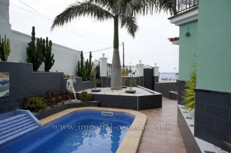 4 Bed  Villa/House for Sale, La Orotava, Tenerife - IC-VAD9449 14