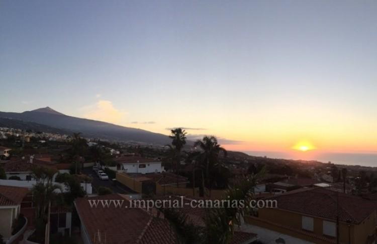 4 Bed  Villa/House for Sale, La Orotava, Tenerife - IC-VAD9449 15