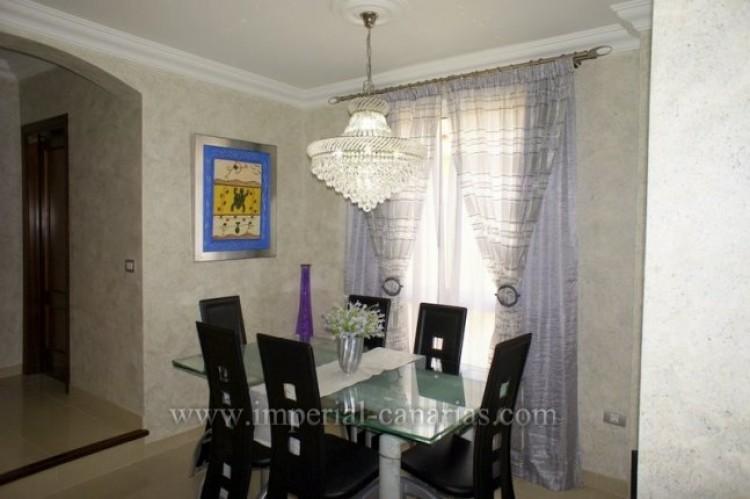 4 Bed  Villa/House for Sale, La Orotava, Tenerife - IC-VAD9449 3