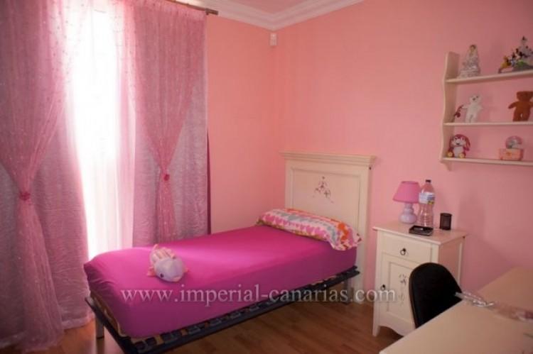 4 Bed  Villa/House for Sale, La Orotava, Tenerife - IC-VAD9449 6