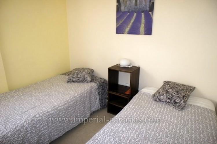 2 Bed  Flat / Apartment for Sale, Puerto de la Cruz, Tenerife - IC-VPI9399 5