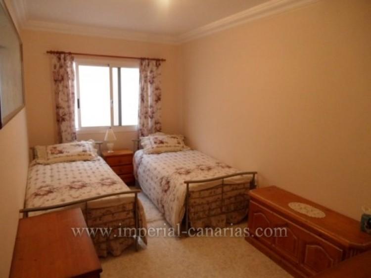 5 Bed  Villa/House for Sale, Santa Ursula, Tenerife - IC-VCH9324 10