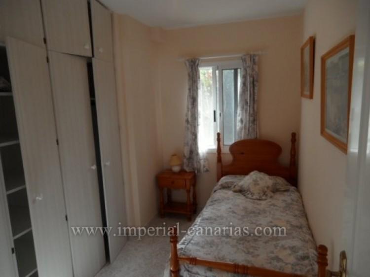 5 Bed  Villa/House for Sale, Santa Ursula, Tenerife - IC-VCH9324 11