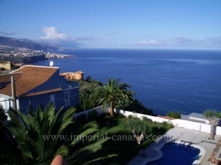 5 Bed  Villa/House for Sale, Santa Ursula, Tenerife - IC-VCH9324 12
