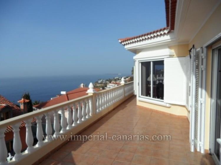 5 Bed  Villa/House for Sale, Santa Ursula, Tenerife - IC-VCH9324 4