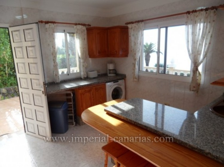 5 Bed  Villa/House for Sale, Santa Ursula, Tenerife - IC-VCH9324 8