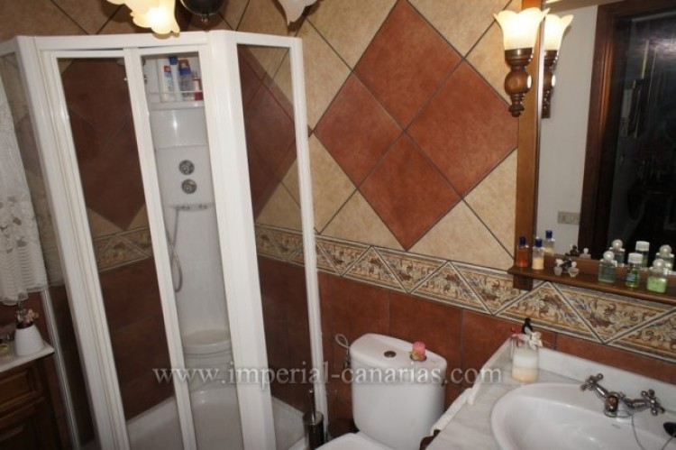 5 Bed  Villa/House for Sale, Santa Ursula, Tenerife - IC-VCH9237 14