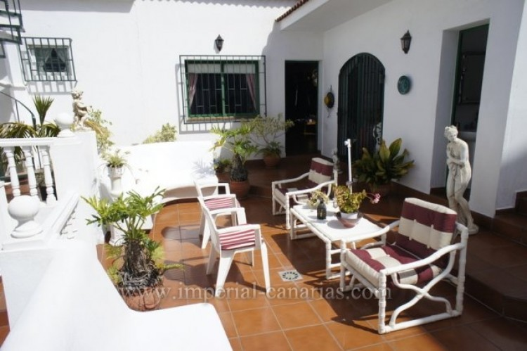 5 Bed  Villa/House for Sale, Santa Ursula, Tenerife - IC-VCH9237 5