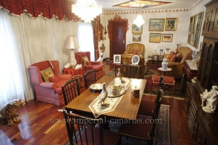 5 Bed  Villa/House for Sale, Santa Ursula, Tenerife - IC-VCH9237 7