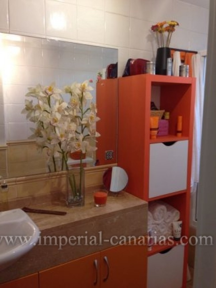 2 Bed  Flat / Apartment for Sale, Puerto de la Cruz, Tenerife - IC-VAP9233 10