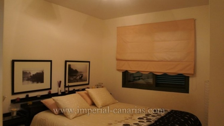 2 Bed  Flat / Apartment for Sale, Puerto de la Cruz, Tenerife - IC-VAP9233 5