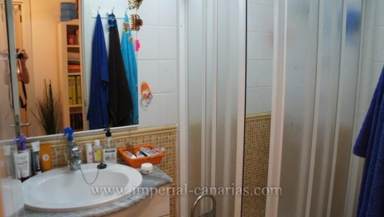 2 Bed  Flat / Apartment for Sale, Puerto de la Cruz, Tenerife - IC-VAP9233 8