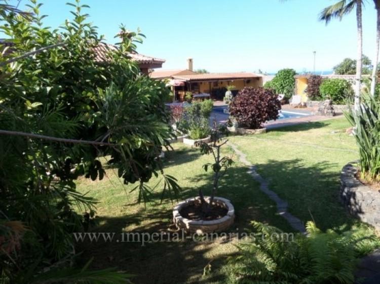 5 Bed  Villa/House for Sale, Puerto de la Cruz, Tenerife - IC-VCH9213 2