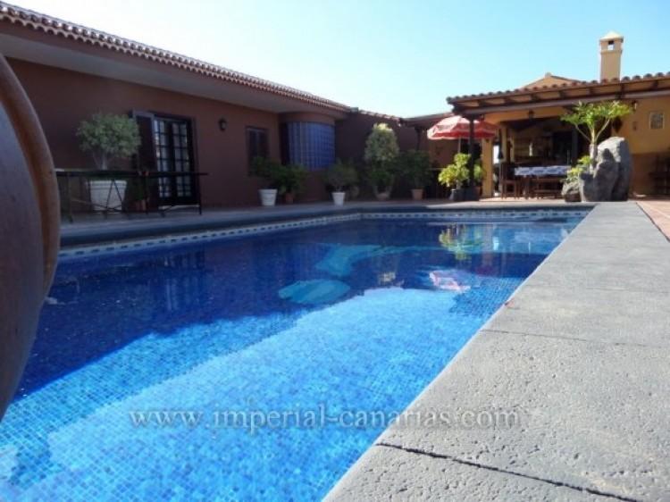 5 Bed  Villa/House for Sale, Puerto de la Cruz, Tenerife - IC-VCH9213 4
