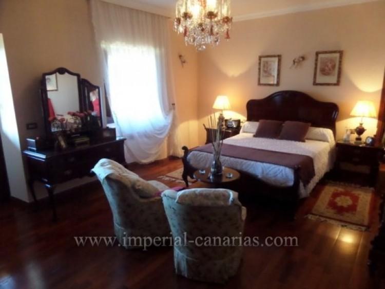 5 Bed  Villa/House for Sale, Puerto de la Cruz, Tenerife - IC-VCH9213 7