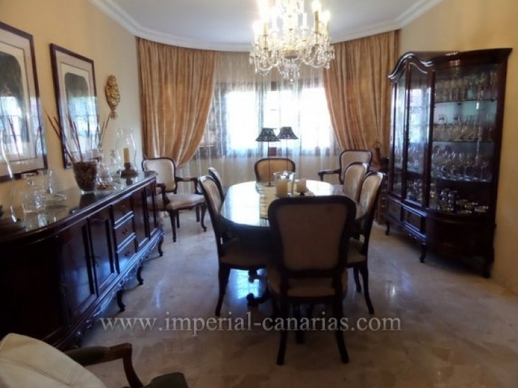 5 Bed  Villa/House for Sale, Puerto de la Cruz, Tenerife - IC-VCH9213 8